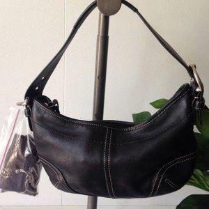 Black leather coach hobo purse w dust bag